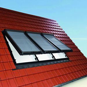 Wielokrotne połączenie okien Designo R8 w obniżonym montażu. Fot. Roto