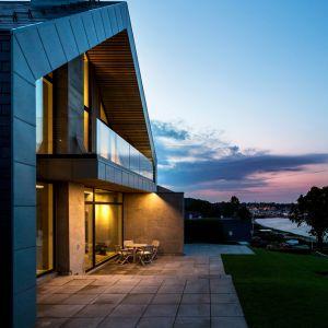 Mieszkańcy willi mogą rozkoszować się panoramą na ocean od wyspy Funen po kontynentalną część Danii. Fot. Andreas Mikkel Hansen