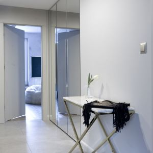 """Projektantki z pracowni KAZA bardzo kompleksowo potraktowały zadanie stworzenia wnętrza """"ultrakobiecego"""". Fot. Pracownia KAZA, Dekorian"""