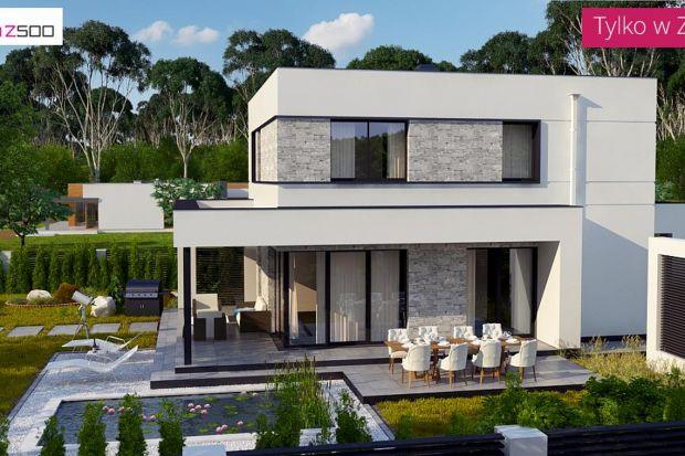 """Zx92 jest projektem domu stworzonym na wzór """"starej kostki"""". Piętrowy, z płaskim dachem, rzutem na planie prostokąta. Jest prosty i niedrogi w budowie.Atutem proponowanego państwu projektu jest fakt, iż na 120 mkw ulokowano 5 pokoi, z których"""