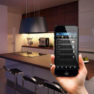WCo istotne, urządzenia w kuchni nie muszą być smart, by korzystać z inteligentnych technologii. Wykorzystanie modułów pozwala lepiej kontrolować działanie domowych sprzętów – poziom zużywanej przez nie energii czy też sam ich stan działania.Fot. Fibaro