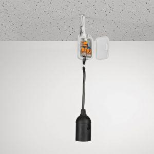 Do łączenia lamp o większej ilości żarówek, żyrandoli i kinkietów wielopunktowych, przydadzą się uniwersalne złączki sprężynowe z wejściem na 2, 3 lub 5 przewodów.  Fot. Wago
