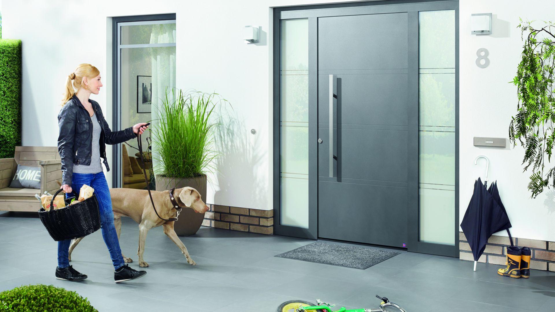Drzwi są jednym z ważniejszych elementów architektonicznych twojego domu. Jednak poza walorami estetycznymi powinny cechować się bezpieczeństwem i wysokimi parametrami energooszczędności. Fot. Hörmann