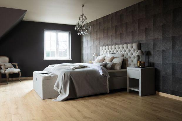 Jo i Karolien wraz z synem mieszkają w wiosce Nevele położonej we Flandrii. Niedawno małżeństwo zdecydowało się na remont domu polegający na transformacji poddasza w luksusową sypialnię.