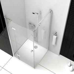 Drzwi, których konstrukcja pozwala na złożenie do wewnątrz, gwarantują dużo miejsca do swobodnego poruszania się nawet w najmniejszym pomieszczeniu. Fot. Roca