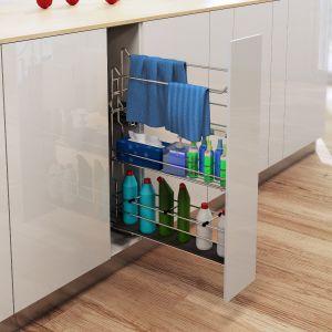 Bardzo często przy planowaniu kuchennej aranżacji pozostaje do zagospodarowania niewielka przestrzeń o kilkunastu centymetrach szerokości. Jedynym sposobem na jej optymalne wykorzystanie jest wysuwane Cargo Wąskie. Fot. Rejs