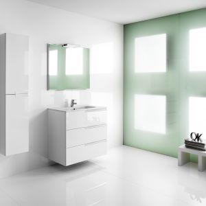 Seria Victoria-N Family to niezwykle praktyczne zestawy łazienkowe Unik o wymiarach 60 cm, 80 cm i 100 cm z trzema szufladami oraz kolumna wysoka obustronna. Fot. Roca
