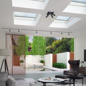 Estetyczne wykończenie stolarki okiennej sprawia, że PGX A1 idealnie sprawdzi się w roli wykończenia stylowo zaaranżowanego wnętrza na poddaszu. Fot. Okpol