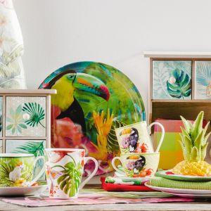 Bali zachwyca nie tylko klimatem i kulturą, ale również smakami, które na kuchennej zastawie mogą zagościć zarówno w formie samego dania, jak i pięknych, egzotycznych malunków. W tym klimacie świetnie sprawdzą się także patery, które zachwycają realistycznym odwzorowaniem liścia monstera lub wiernie oddają kształt ananasa. Fot. Home&You