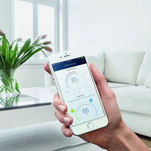 Ten innowacyjny system opiera swoje działanie na technologii LAN oraz obsłudze za pomocą aplikacji Grohe Ondus na smartfony. Oferuje najwyższy poziom bezpieczeństwa dzięki stałemu monitorowaniu i kontroli – kiedykolwiek, gdziekolwiek. Fot. Grohe