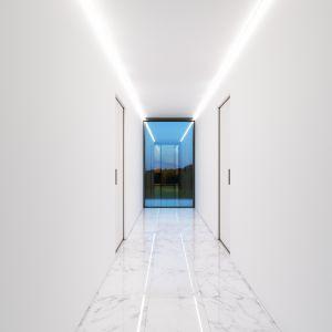 olor domu jest idealnie biały. Zarówno na zewnątrz, jak i w jego wnętrach dominuje nieskazitelna, śnieżnobiała biel. W ten sposób architekci nadali spójności i jednolitości całemu projektowi. Fot. Mussabekova Ulbossyn