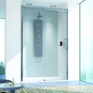 Najczęstszym problemem w polskich łazienkach jest brak przestrzeni. Aby zmaksymalizować miejsce w pomieszczeniu, warto zamienić wannę na prysznic. Nowoczesny brodzik z kabiną prysznicową to nie tylko wygodne, ale także praktyczne i estetyczne rozwiązanie. Fot. Sanplast