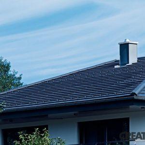 Dachy polskich domów najczęściej wyróżniają się nowoczesnym wykończeniem, często w postaci dachówek płaskich o uproszczonym, prostokątnym kształcie. Fot. Creaton