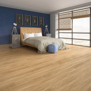 Listwa z tego samego drewna zwiększa optycznie powierzchnię. Fot Baltic Wood