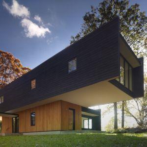 Waccabuc House zaprojektowany wspólnie przez Chan-li Lin AIA + Rafael Viñoly Architects PC. Fot. Brad Feinknopf