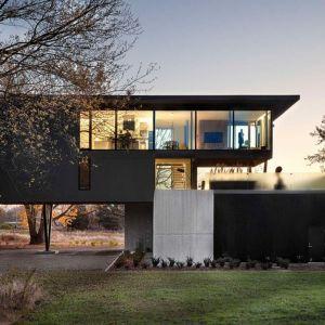 Treehouse zaprojektowany przez studio architektoniczne Forestgreen. Fot. Lisa Petrole