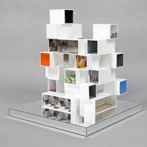 """Z kolei Dom """"Haptic House"""", Dextera Morena oparty jest na koncepcji """"gry sensorycznej"""". Elementy o identycznym kolorze, fakturze i kształcie mają za zadanie pobudzać podstawowe zmysły dzieci. Dostęp do pomieszczeń z każdej strony oznacza, że nie ma zdefiniowanych reguł, w jaki sposób dziecko może je używać. Fot. Thomas Butler"""