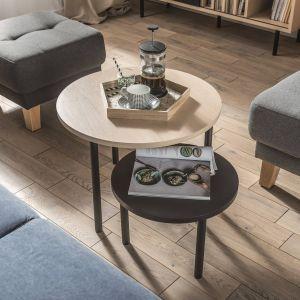 Producent zadbał, żeby widoczne było oryginalne usłojenie drewna oraz sporadyczne występujące sęki, które podkreślają niepowtarzalność materiału. Fot. Vox