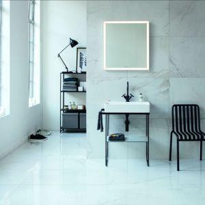 Umywalka oraz wanna są wykonane z innowacyjnych materiałów DuraCeram i DuraSolid opracowanych przez firmę Duravit. Fot. Duravit
