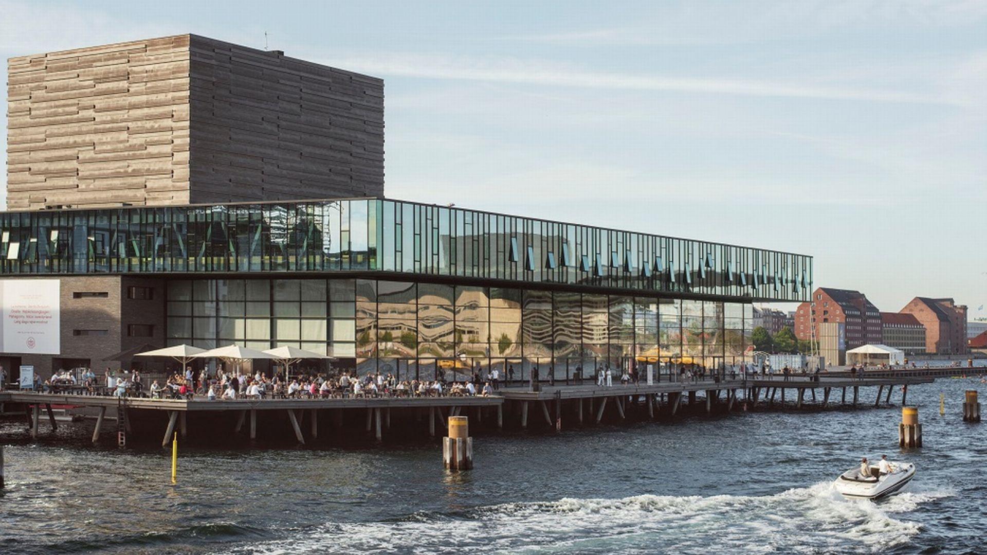 Jednym z głównych problemów w trakcie budowy Duńskiego Teatru Królewskiego w Kopenhadze, było zapewnienie skutecznego odwodnienia. Fot. Weber Leca®