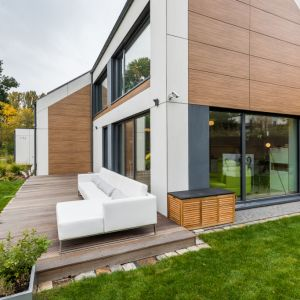 Nie tylko wygląd zewnętrzny decyduje o wyjątkowości domu H5. Po pierwsze w budowie wykorzystano technologię szkieletu drewnianego, która jest szczególnie popularna w Europie Północnej Fot. Multicomfort, EcoReadyHouse