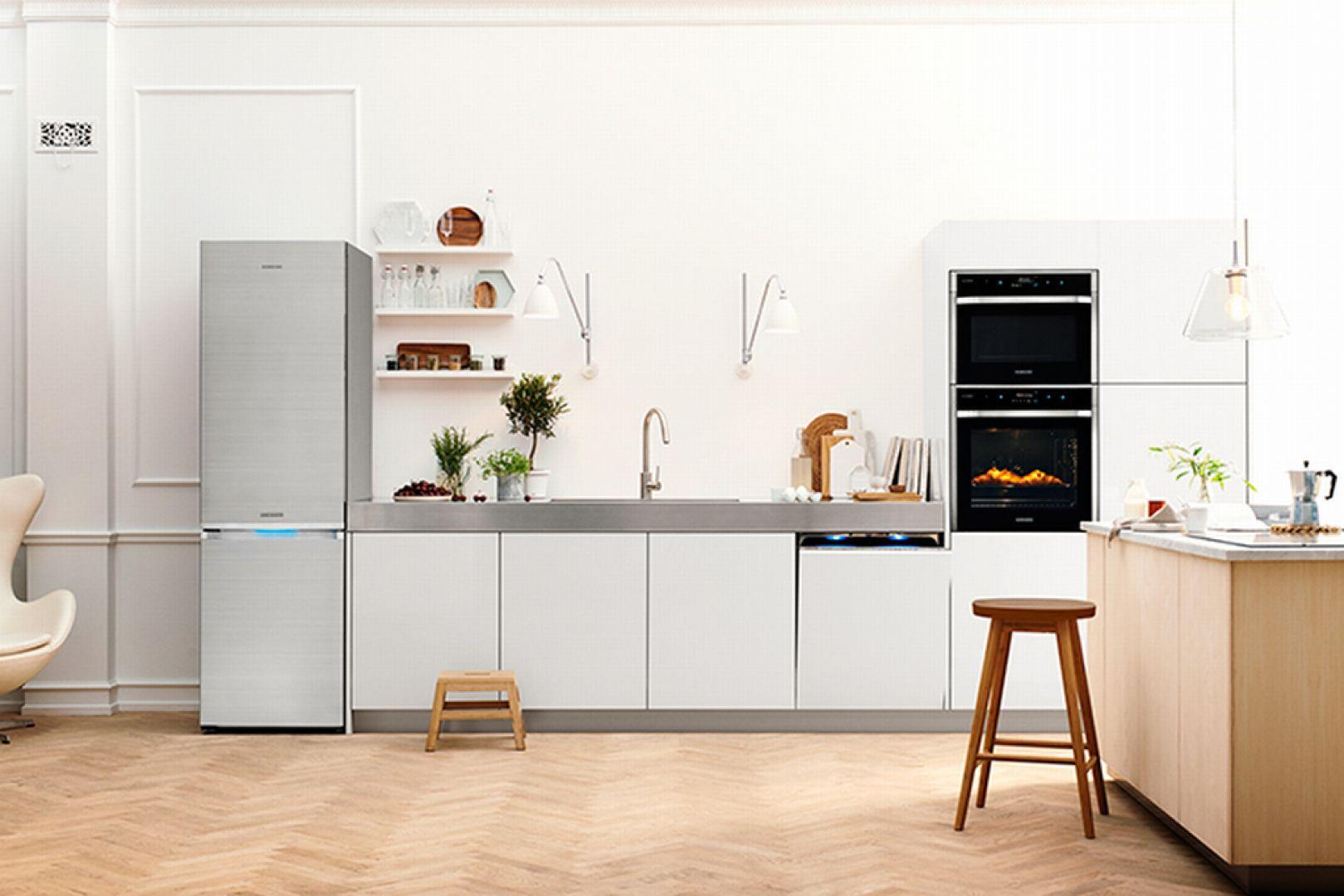 Ta prestiżowa linia została zaprojektowana we współpracy z grupą znanych na całym świecie kucharzy. Urządzenia zainspirowane technologiami używanymi w najlepszych restauracjach pozwolą amatorom kuchennych wrażeń rozwijać swoją pasję. Fot. Samsung