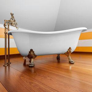 Podłoga tekowa w łazience. Fot. Marchewka