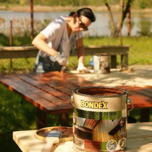 Co ważne, szybki czas schnięcia lakierobejcy umożliwia wykonanie prac w zaledwie jeden dzień. Fot. Bondex