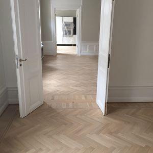 Odrestaurowana podłoga w apartamencie. Fot. Pallmann