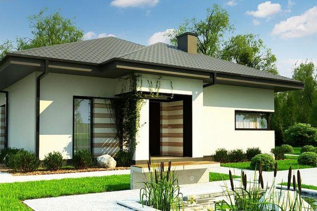 Mały dom, który zaskoczy cię przestronnymi wnętrzami. Zobacz projekt!