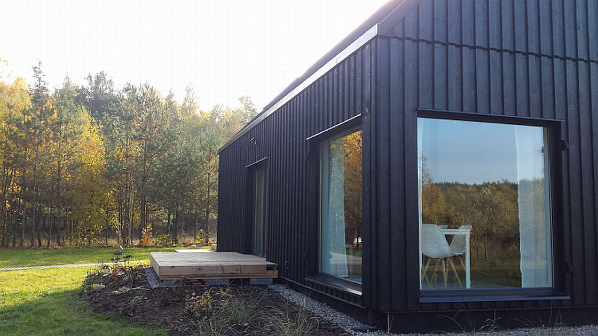 System Galeco Bezokapowy  został stworzony z myślą o najnowszych trendach architektonicznych. Znajduje on zastosowanie w projektach domów, w których okap kończy się na równi ze ścianą zewnętrzną budynku. Fot. Galeco