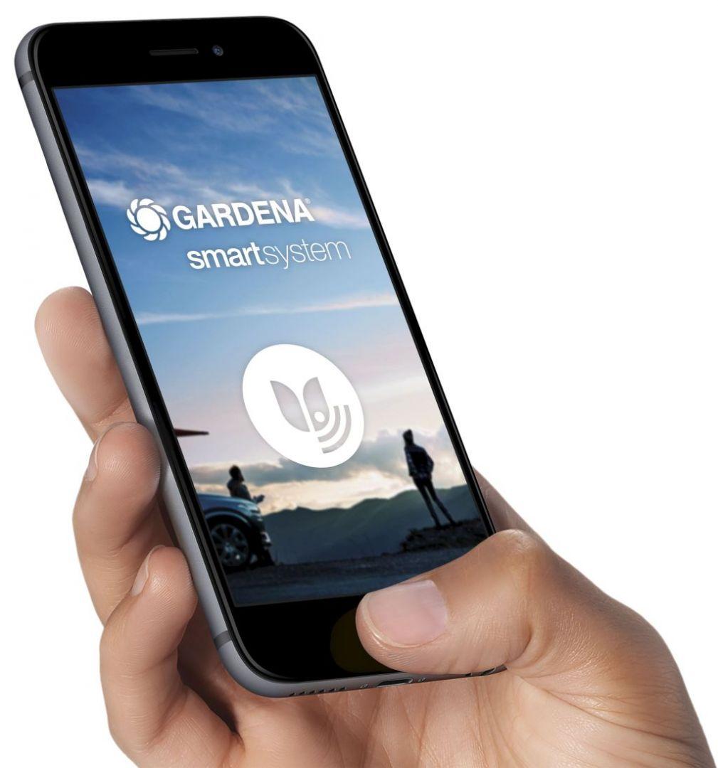 Proces instalacji Gardenasmart system został intuicyjnie zaprojektowany i wykorzystuje te same zasady, jak połączenie Bluetooth smartfonu. Każdy element systemu łączy się z routerem, a ta przekazuje dane do użytkownika za pośrednictwem Internetu, a dane zapisywane są w chmurze. Fot. Gardena