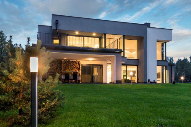 Odpowiednio dobrane rozwiązania pozwalają zwiększyć wytrzymałość okien i drzwi <br />tarasowych. Oto elementy, na które warto zwrócić uwagę przy zakupie, aby jak najlepiej <br />zabezpieczyć swój dom.