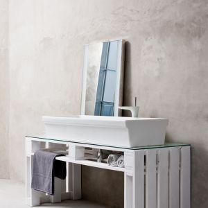 Wszystkie z wymienionych sposobów montażu umywalek doskonale sprawdzą się zarówno w dużych, jak i małych łazienkach. Fot. Koło