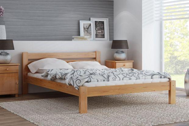 Łóżko w minimalistycznej sypialni
