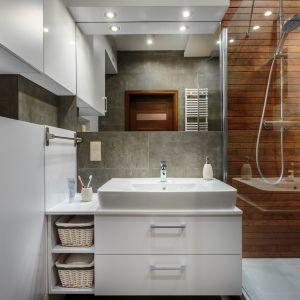 Projektując łazienkę lub decydując się na remont, przede wszystkim zastanów się, w jakim stylu chcesz ją urządzić. Czy będzie to styl klasyczny, retro, czy może nowoczesny? Fot. Ceresit