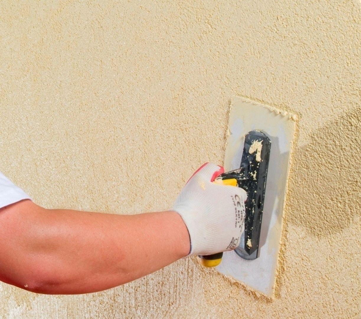 Kluczem do udanej inwestycji jest wybór tego, który będzie najodpowiedniejszy ze względu na sposób ocieplenia ściany dwuwarstwowej, lokalizację budynku, czy wybór materiału termoizolacyjnego. Fot. Baumit