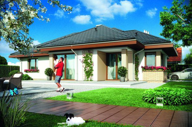 Mały, energooszczędny dom idealny na wąską działkę 102 mkw. Zobacz projekt!