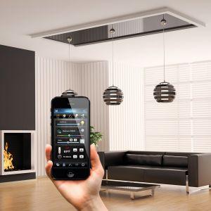 Dynamicznie rozwijający się rynek smart home sprawia, że regularnie przybywa urządzeń, które mogą ze sobą współpracować. To już nie tylko kamerki monitoringu czy moduły do sterowania oświetleniem. Fot. Fibaro
