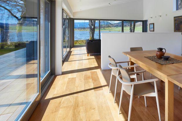 Okna w architekturze i aranżacji wnętrz domów