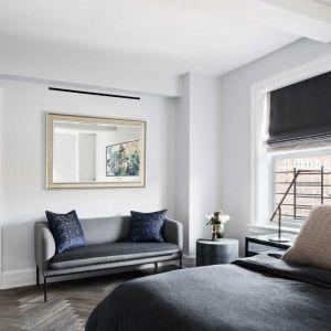 Wyzwania podjęli się architekci ze StudioLab, którzy gruntownie zmieniając wnętrza tego apartamentu, kierowali się potrzebami i wymaganiami przyszłych jego mieszkańców. Fot. Amanda Kirkpatrick