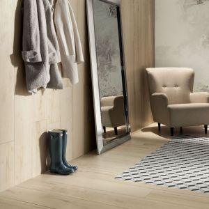 Aranżacja marka Korzilius płytki Wood Craft Natural i Maciej Zień mozaika Barcelona 2A. Fot. Ceramika Tubądzin