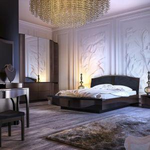 W sypialni niezwykle ważną rolę odgrywają naturalne materiały, dlatego wybierzmy łóżko z litego drewna lub w naturalnej okleinie, pokryte najzdrowszym dla nas i przyjaznym dla środowiska lakierem wodnym.  Fot. Mebin