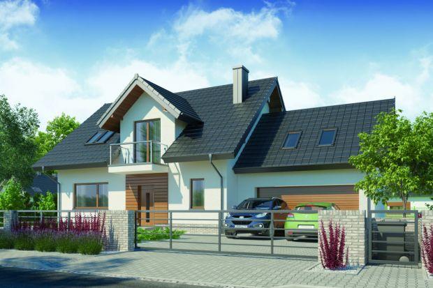 Zapoznaj się z projektem praktycznego domu z charakterystycznym zadaszonym tarasem, stworzonego z myślą o 4-5 osobowej rodzinie z przestronnymi wnętrzami. W projekcie znalazło się też miejsce na użyteczny duwstanowiskowy garaż.