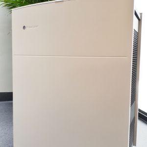 Oczyszczacze powietrza nie zajmują dużo miejsca w domu czy biurze. Fot. CentroClima