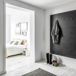 Wszystkie dekory tworzą na ścianie naturalny efekt wizualny, a do tego wiernie odwzorowują fakturę poszczególnych materiałów. Fot. Vox