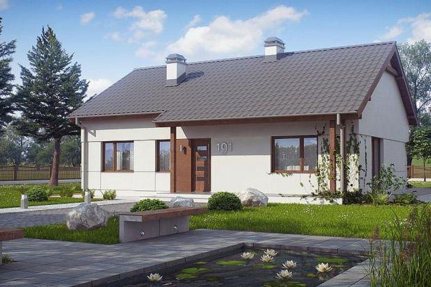 Z191 D to kompaktowy dom parterowy o prostej bryle przekrytej dachem dwuspadowym. Dzięki dobrze rozplanowanej funkcji wnętrza jest przestronny, a jego układ konstrukcyjny zapewnia swobodę w zagospodarowaniu powierzchni, zapewniając optymalne użytkow
