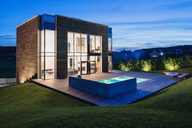 Głównym cel, jaki założył sobie architekt Igor Petrenko przy realizacji tego projektu, było stworzenie komfortowego i funkcjonalnego domu dla jednej rodziny. Dom musiał być zaprojektowany bez zbędnych dodatków i niepraktycznych dekoracji z wykor