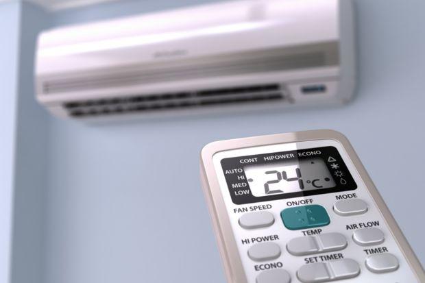 Dzięki funkcji pompy ciepła klimatyzacja zimą wcale nie musi pozostać nieużyteczna. Zarówno klimatyzatory typu split, multisplit lub VRV szybko i efektywnie dogrzeją mieszkanie lub część domu.