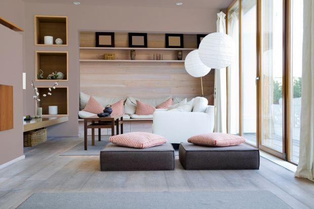 Idealnie, gdy w domu udaje się wydzielić strefę wypoczynku dla dwojga. Wygodna kanapa sprawdzi się zarówno podczas wspólnych seansów filmowych, przy lekturze ulubionych książek, a także przy rozmowach, które są ważnym elementem każdego zwią